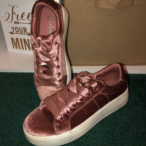 Payless Shoes | Platform Sneakers
